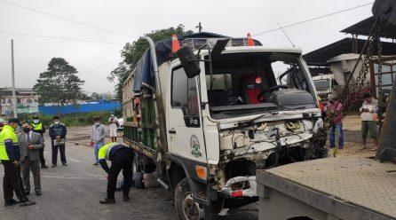 Dos muertos y un herido en accidente en el baipás Quito-Quevedo de Santo Domingo
