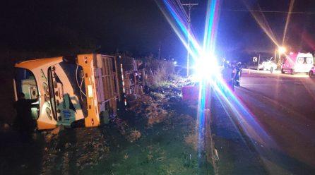 Un bus de la cooperativa Carlos Alberto Aray se volcó, hay varios muertos